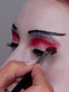 Geisha - Roter-Lidschatten