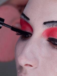 Geisha-Wimpern-tuschen