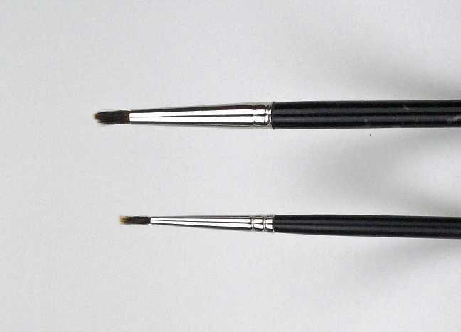 Eyeliner Pinsel in verschiedenen Stärken