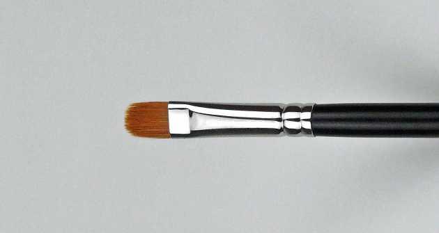 Pinsel – kleiner breiter fester flacher Pinsel
