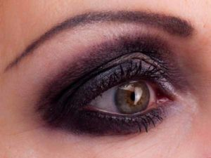 Smokey Eyes Augen Make Up - Lidschatten