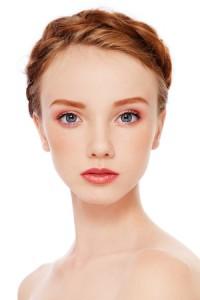 Augenbrauen heller schminken
