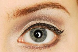 Augen-Make-up 60er Look - Lidfalte betonen