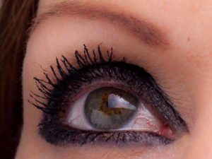 Kleines Smokey Eyes