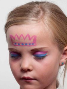 Krone schminken 1