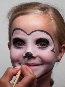Nase und Zähne schminken 1
