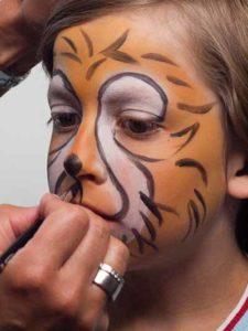 Kinderschminken Löwe - Schnauze aufmalen 1