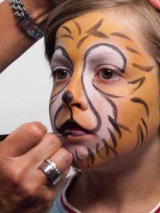 Kinderschminken Löwe - Schnauze aufmalen 2
