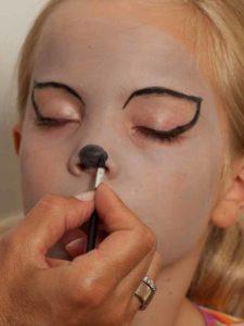 Kinderschminken Katze - Nase schminken