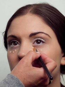 Augen betonen – Concealer einsetzen