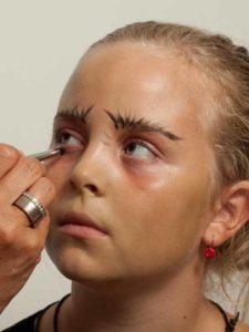 Kinderschminken Hexe - Augen schminken 2