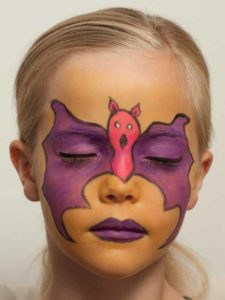 Kinderschminken Fledermaus oder Batmann - Augen betonen