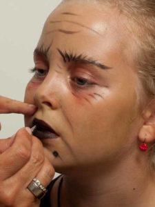 Kinderschminken Hexe - Mund schminken 1