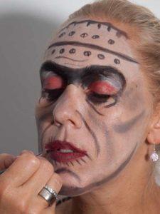 Frankenstein für Halloween schminken - Mund 1