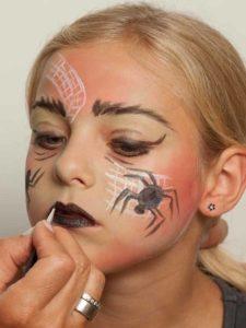 Spinnenfrau schminken - Lippen schminken