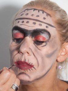 Frankenstein für Halloween schminken - Mund 2