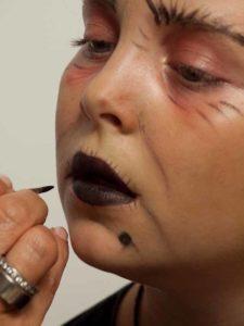 Kinderschminken Hexe - Mund schminken 2