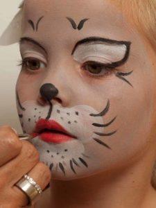 Eine Susse Katze Schminken Schminkanleitung Katzenkostum