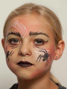 Spinnenfrau schminken - Nachher