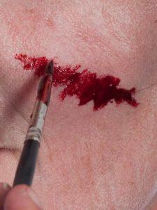 Halloween Narben und Wunden schminken - Filmblut Wunde