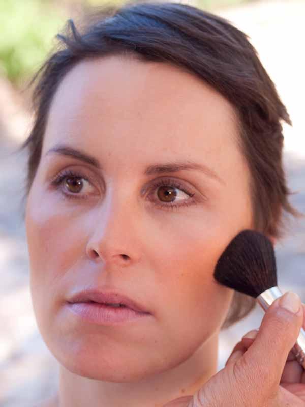 Schnelles Tages-Make-up für unterwegs – Schminkanleitung