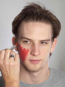 Teufel - klassische Variante in rot schminken Grundierung 1