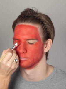 Teufel - klassische Variante in rot schminken Grundierung 2