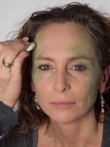 Als zauberhafte Fee für Karneval schminken - Grüne Betonung 1