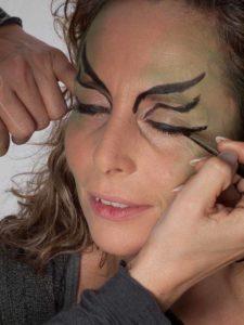 Als zauberhafte Fee für Karneval schminken - Augen Make up 2