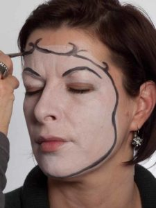 Pierrot - Schminken für Karneval - Umrandung 2