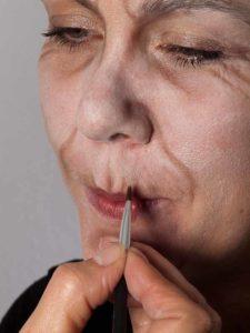 Als -alte Frau- für Karneval oder Mottoparty schminken - Mund