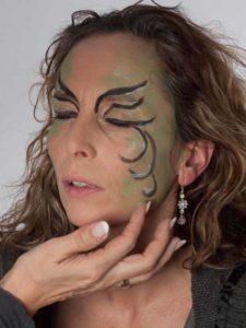 Als zauberhafte Fee für Karneval schminken - Glitzer