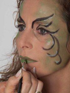Als zauberhafte Fee für Karneval schminken - Lippen 1