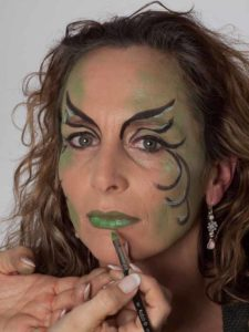 Als zauberhafte Fee für Karneval schminken - Lippen 2