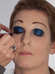 Katzenberger - schminken und Kostüm für Karneval selber machen - Lidstrich