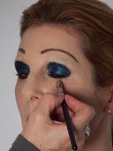 Katzenberger - schminken und Kostüm für Karneval selber machen - Concealer