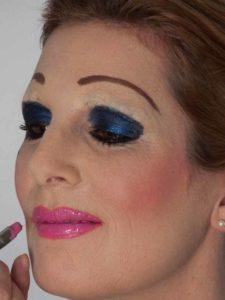 Katzenberger - schminken und Kostüm für Karneval selber machen - Lipgloss