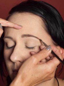 Dita von Teese - Make up Look schminken - Augenbrauen schminken 1