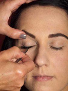 Dita von Teese - Make up Look schminken - künstliche Wimpern 1