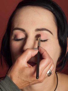 Dita von Teese - Make up Look schminken - Lidschatten 2