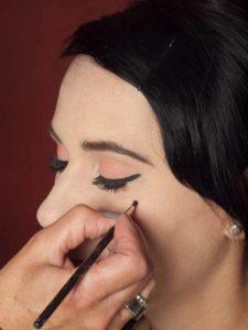 Dita von Teese - Make up Look schminken - Schönheitsfleck