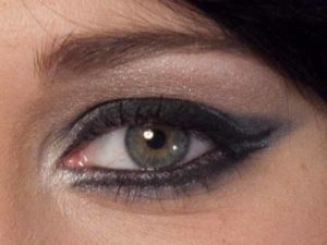 Cat Eyes Make up Look schminken - Detail abends