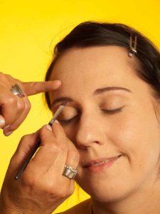 Katy Perry Make up Look schminken - Augenbrauen 1