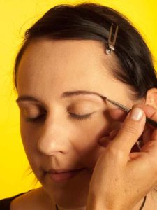 Katy Perry Make up Look schminken - Augenbrauen 2