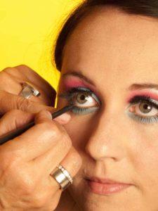 Katy Perry Make up Look schminken - Kajalstrich