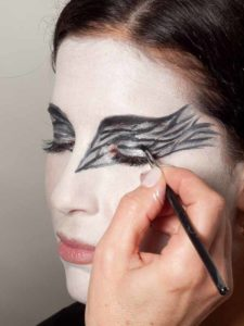 Black Swan Look & Kostüm - Augen make up Finish 1