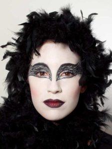Black Swan Look & Kostüm - federn im Haar 1