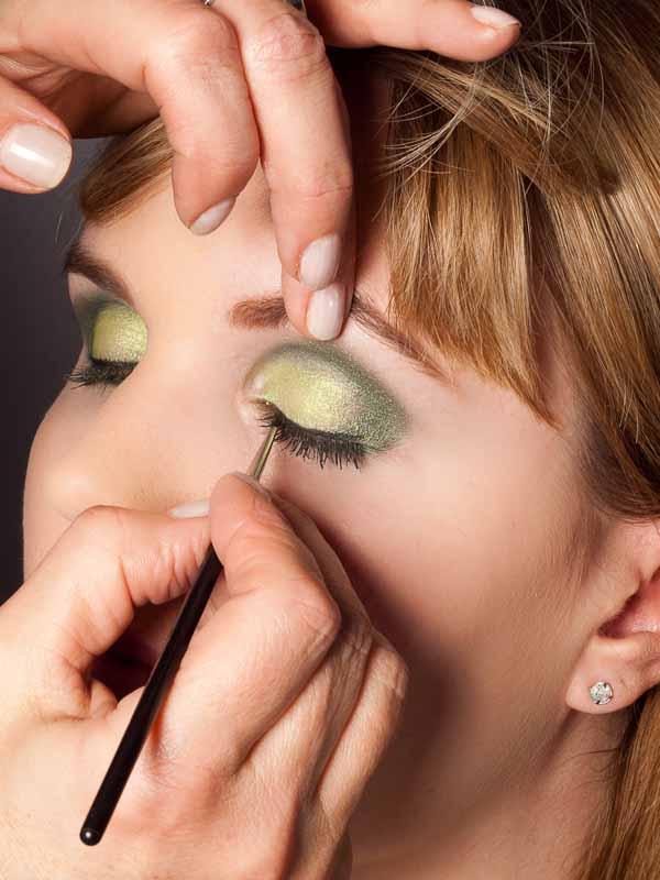 Grüner Lidschatten Look für alle Gelegenheiten - Wimpernrand 2