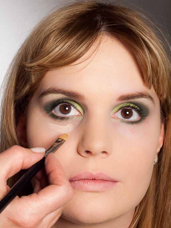 Grüner Lidschatten Look für alle Gelegenheiten - Concealer 1