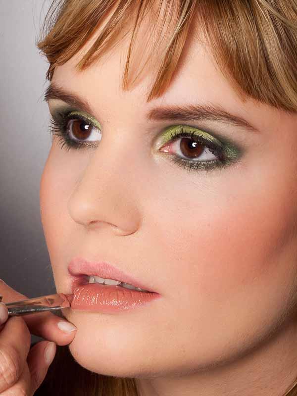 Grüner Lidschatten Look für alle Gelegenheiten - Lippen 1